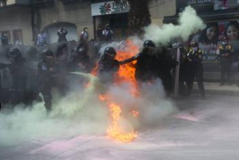 Nuevos enfrentamientos entre feministas y policías, ahora en Bellas Artes
