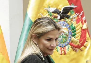 Gobierno de Bolivia se divide y renuncian ministros por incertidumbre económica