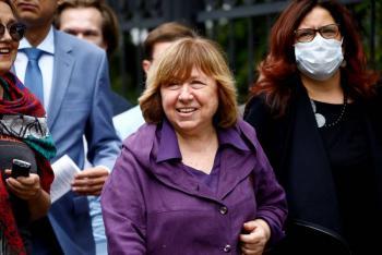 Nobel bielorrusa Svetlana Alexievich se traslada a Alemania por motivos médicos
