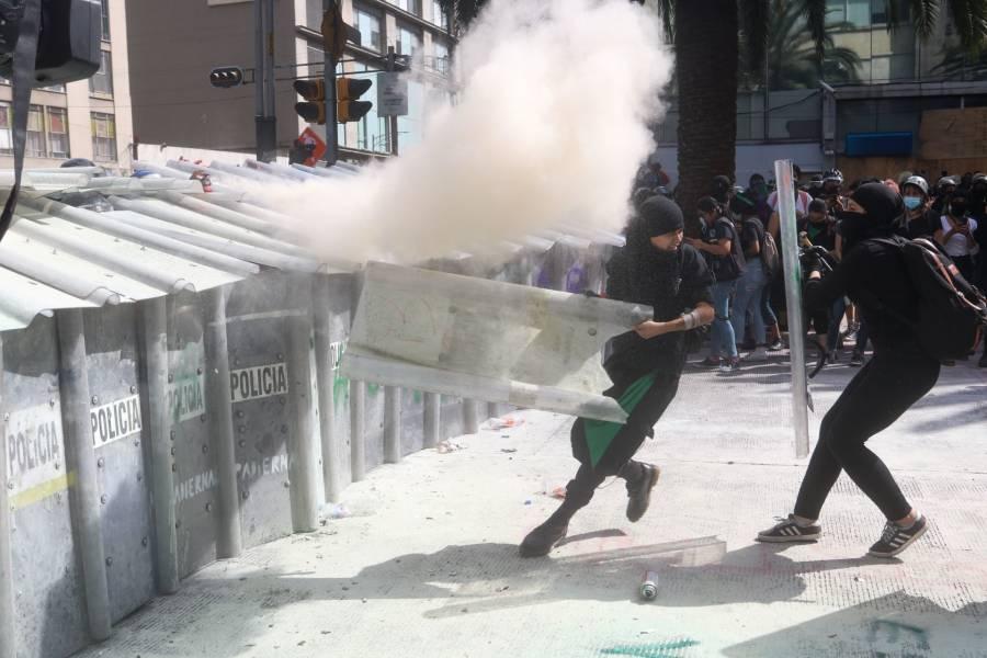 Amnistía Internacional: Gobierno de la CDMX violó los derechos humanos de feministas
