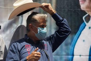 Alejandro Rojas se baja de la elección en Morena
