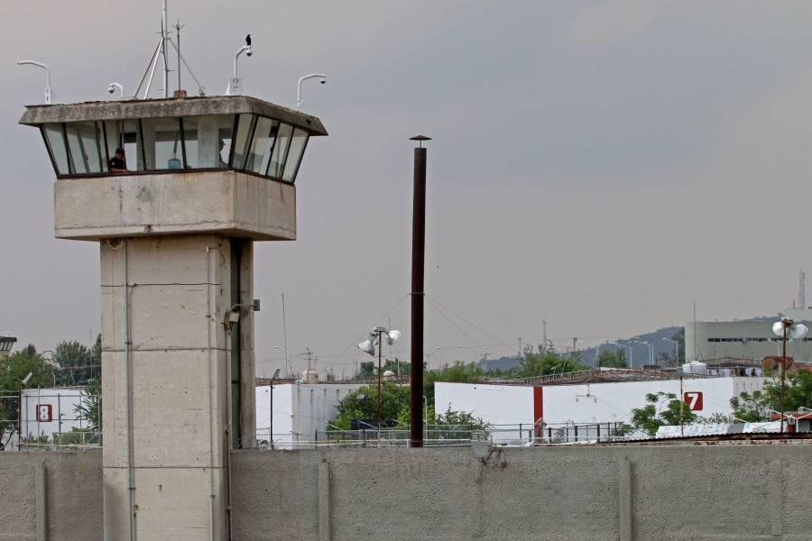 Por falta de inversión y riesgo de fugas cerró el penal de Puente Grande: Durazo