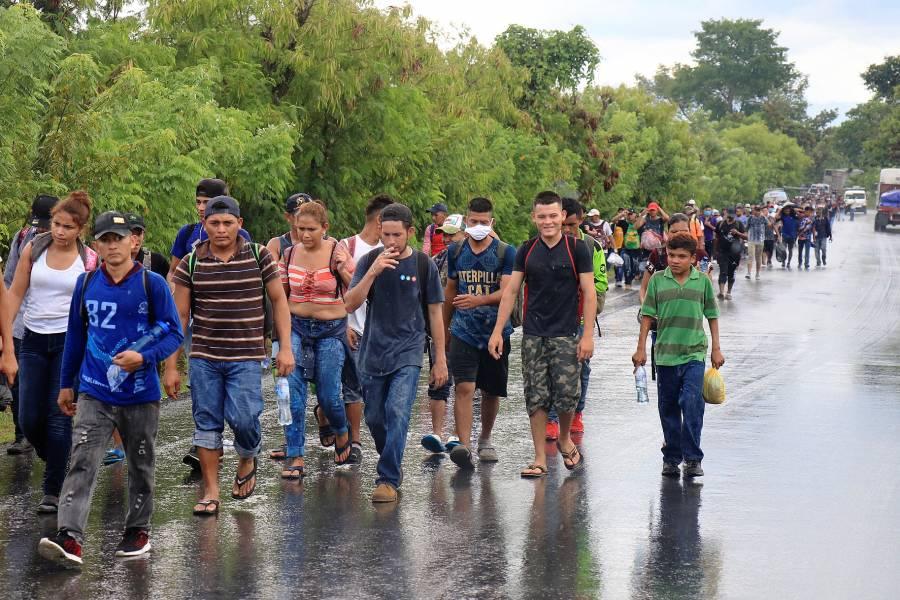 Reanudan caravanas migrantes en medio de pandemia