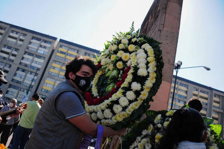 En Tlatelolco, hay un mitin por el 52 aniversario de la matanza estudiantil