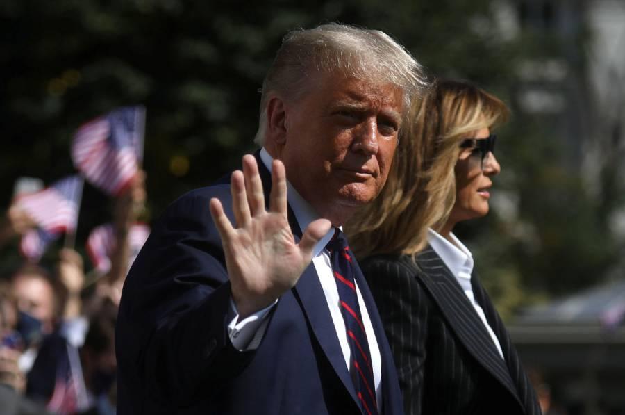 Trump presenta síntomas leves de Covid-19, seguirá trabajando: Casa Blanca