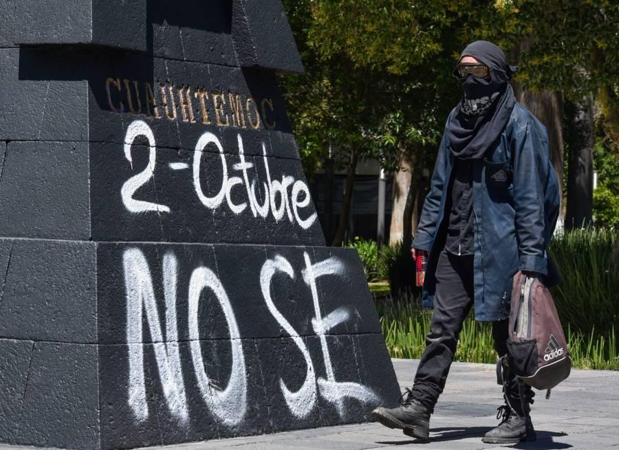 Afuera de Bellas Artes, anarquistas agreden a Policías