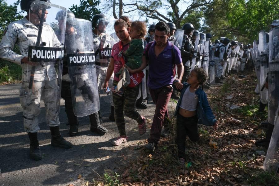 Frontera con Guatemala blindada por la Guardia Nacional; migrantes retroceden