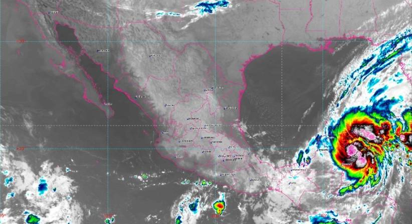 """Tormenta tropical """"Gamma"""" se aproxima a Yucatán"""
