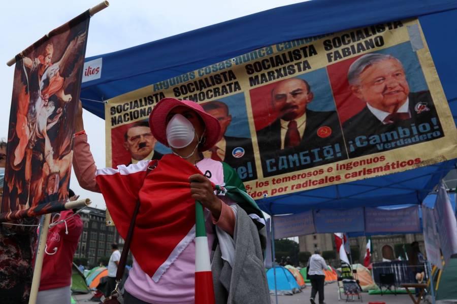 Contingente de FRENAAA marcha rumbo al Zócalo