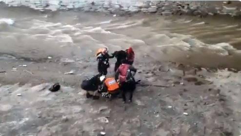 Detienen en Chile al agente que lanzó a un menor al río en manifestación