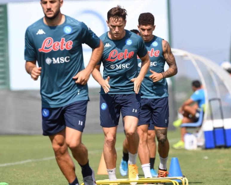 Napoli y Juventus anuncian casos de COVID-19; se aplazaría partido