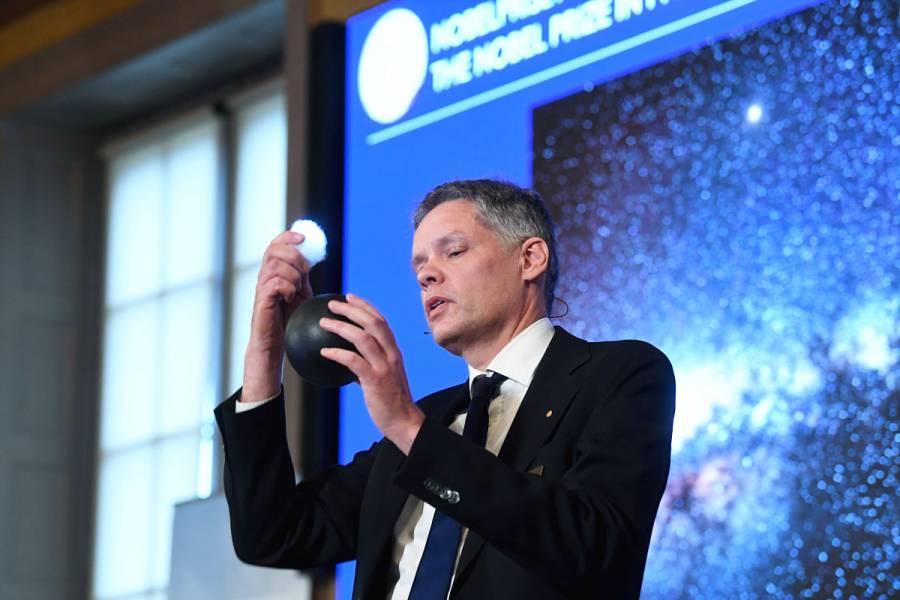 Descubrimientos sobre los agujeros negros son premiados con el Nobel de Física