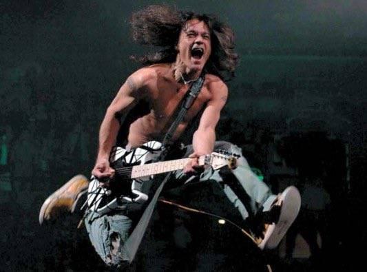 Tras una batalla con el cáncer, fallece el músico Eddie Van Halen