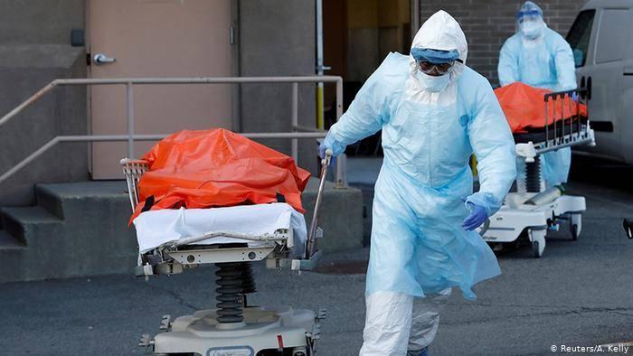 Superan los 210 mil muertos por Covid-19 en Estados Unidos