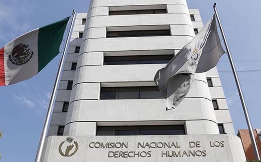 Cesa CNDH a funcionarios por desinformar o malversar la verdad institucional