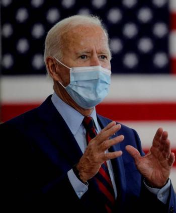 Biden aceptará debate con  Trump si médicos lo aprueban