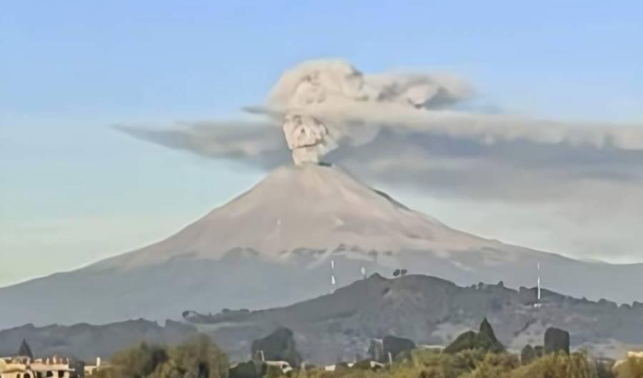 Captan fumarola del Popocatépetl con forma de Catrina