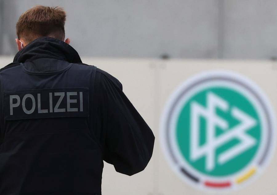 Por presunta evasión fiscal, registran oficinas de la Federación Alemana