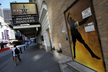 Teatros de Broadway permanecerán cerrados hasta mayo de 2021