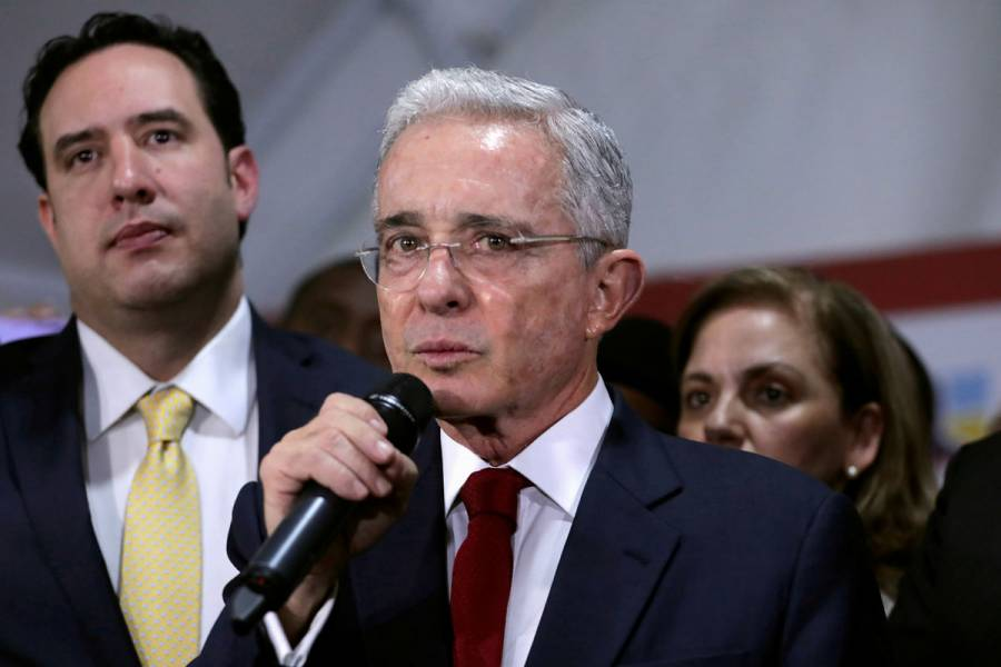 Jueza ordena libertad de ex presidente colombiano Álvaro Uribe