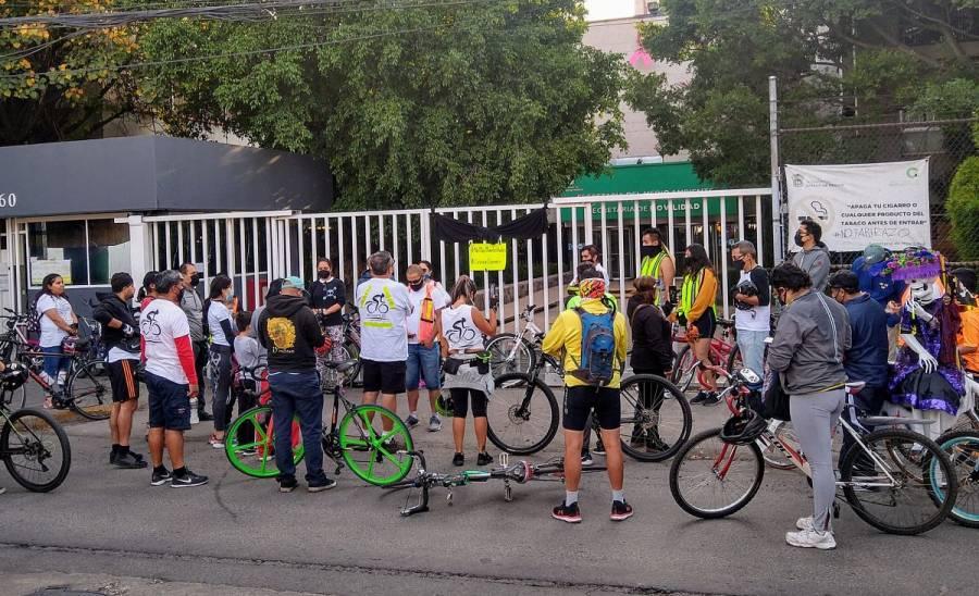 Con rodada, ciclistas exigen justicia para estudiante de la UNAM atropellada