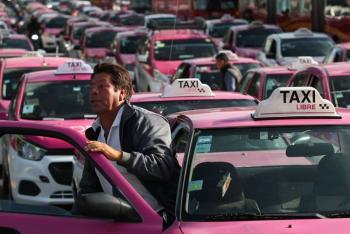 Taxistas realizan megamarcha rumbo al Ángel de la Independencia