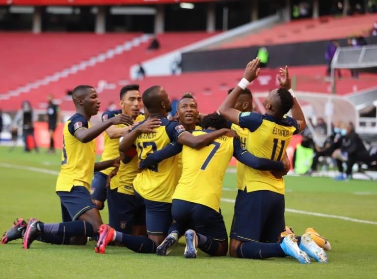 Ecuador aplasta a Uruguay en eliminatoria rumbo a Qatar