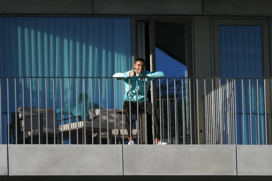 Cristiano Ronaldo observa entrenamiento de la Selección de Portugal desde su confinamiento