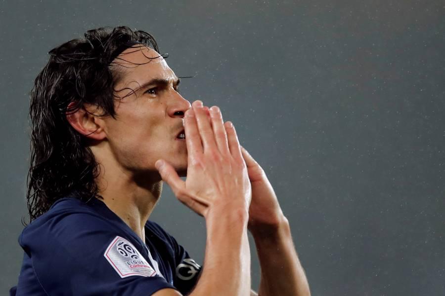 Debut de Cavani con el Manchester United tendrá que esperar por el COVID-19