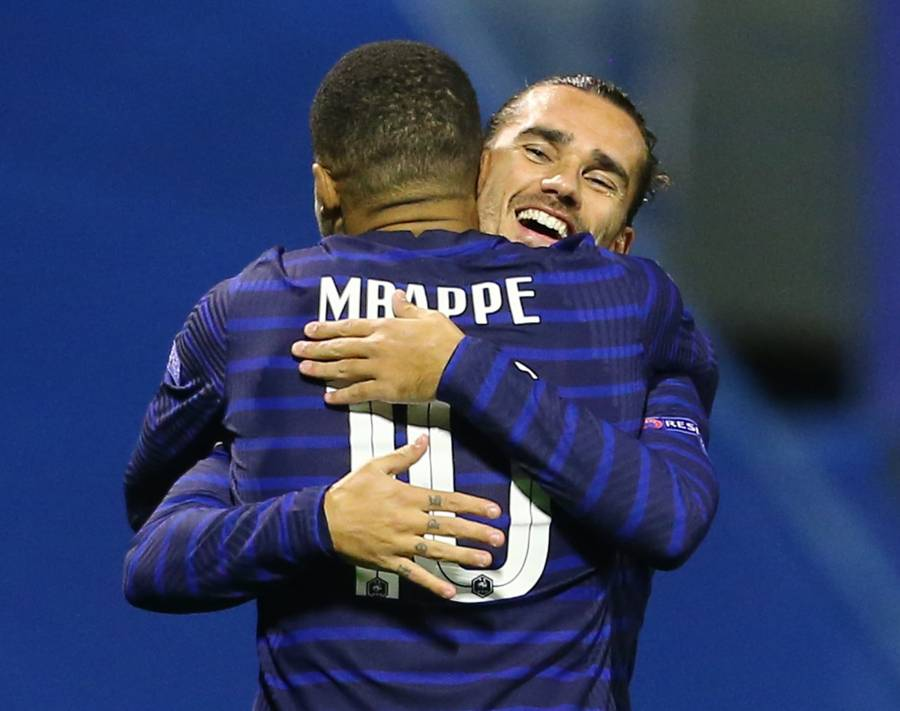 Francia vence a Croacia con tantos de Griezmann y Mbappé; Portugal golea