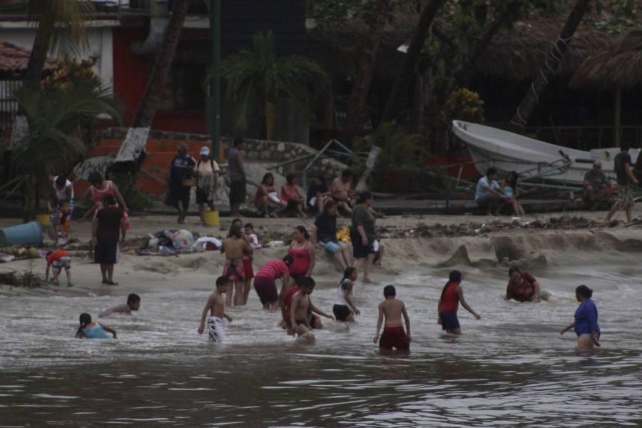Rebrote de COVID-19 obliga al cierre de playas en Puerto Escondido