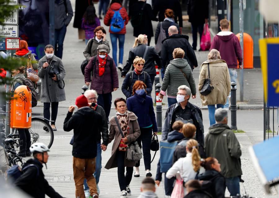 Alemania supera los 5 mil casos diarios de Covid-19, el mayor pico en seis meses