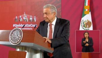 """""""Tengo medalla de oro en ataques de columnistas"""": AMLO"""