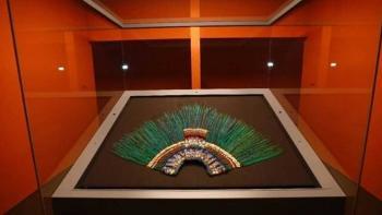 Asegura experto que el penacho no era de Moctezuma