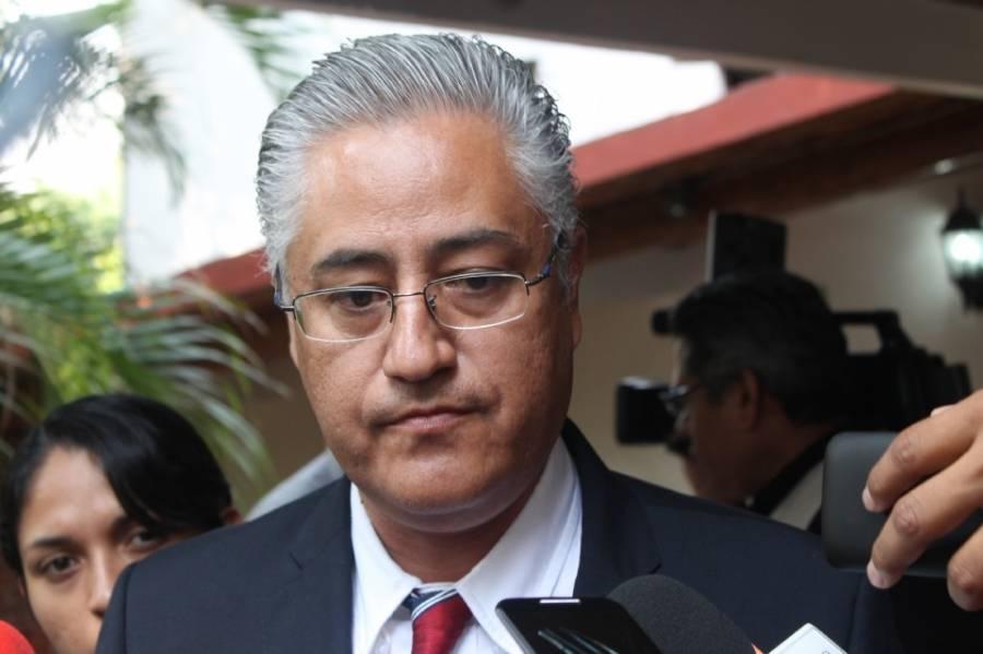 Confirman vinculación a proceso contra ex rector de la UAEM por peculado
