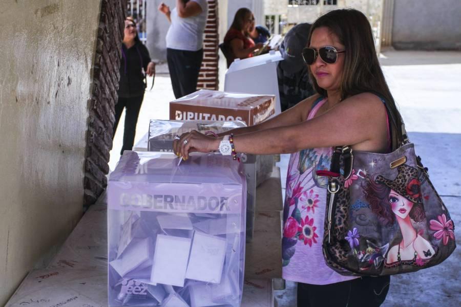 Congreso capitalino conmemora el 67 aniversario del voto femenino