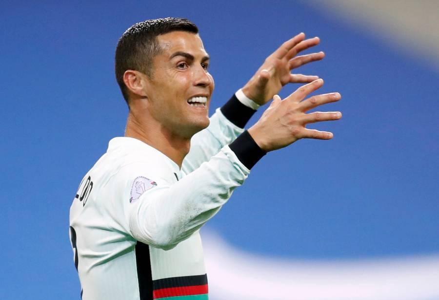 Cristiano Ronaldo y ministro de deportes italiano se enfrentan por el COVID-19
