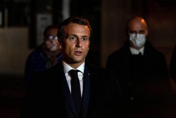 "Macron califica como ""ataque terrorista islámico"" asesinato de maestro"