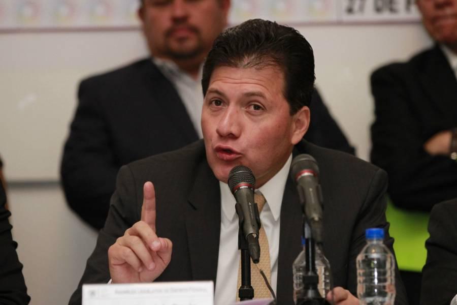 Lobo Román exhorta a resolver conflicto en Notimex