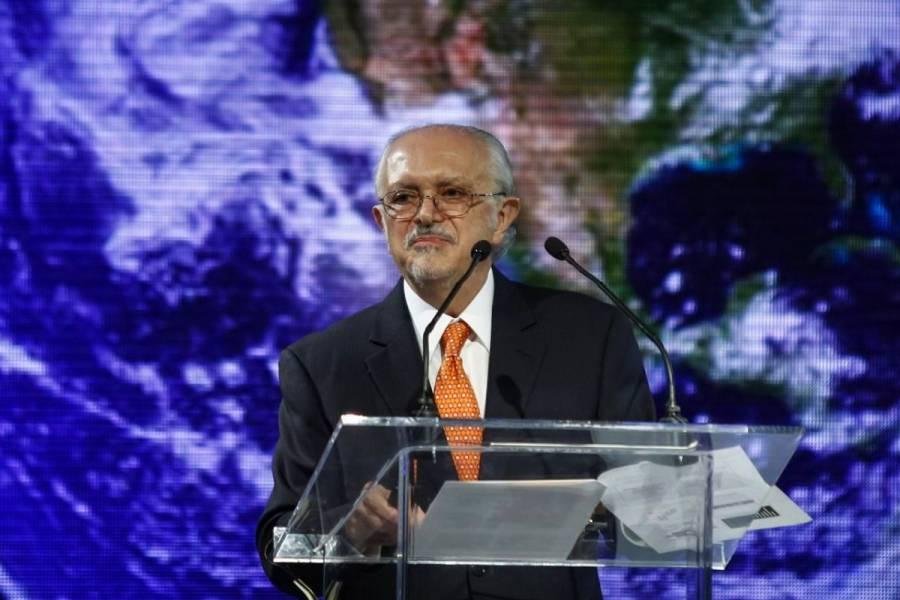 Enrique Graue presenta candidatura de Mario Molina a la medalla