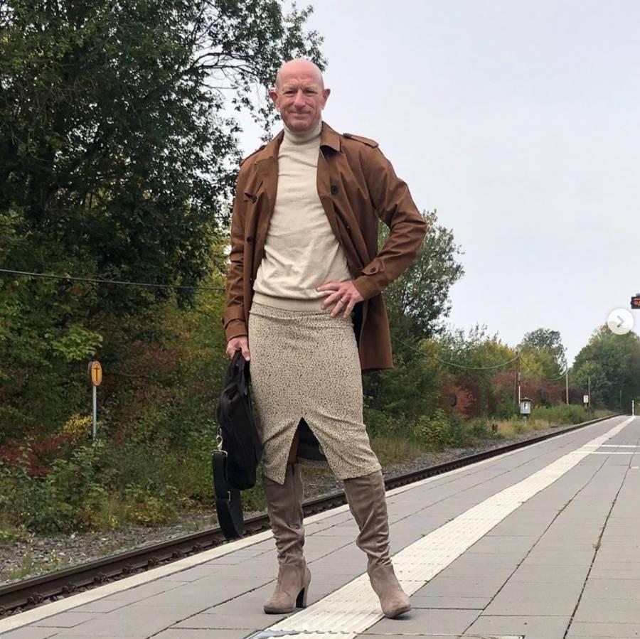 Mark Bryan usa falda y tacones y luce increíble en redes sociales
