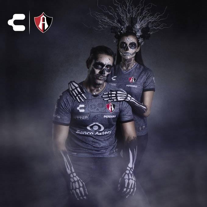 Atlas lanza jersey alternativo inspirado en el Día de Muertos