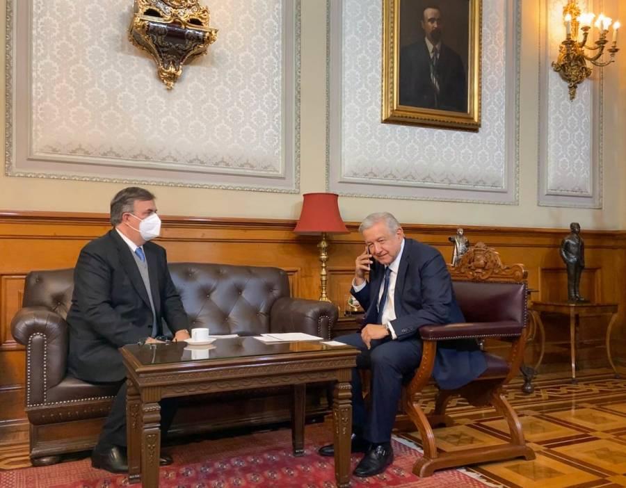 Felicita AMLO a Luis Alberto Arce por triunfo en elecciones presidenciales de Bolivia