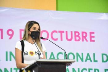 Ayuntamiento de Soledad se suma al combate contra el cáncer de mama