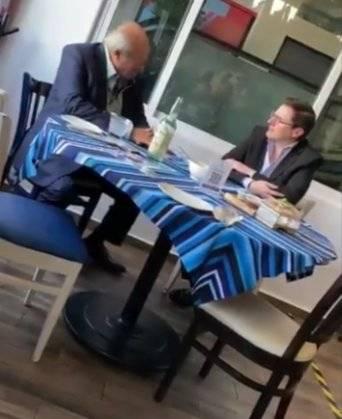Despide PEMEX a funcionario tras conocerse reunión con Romero Deschamps