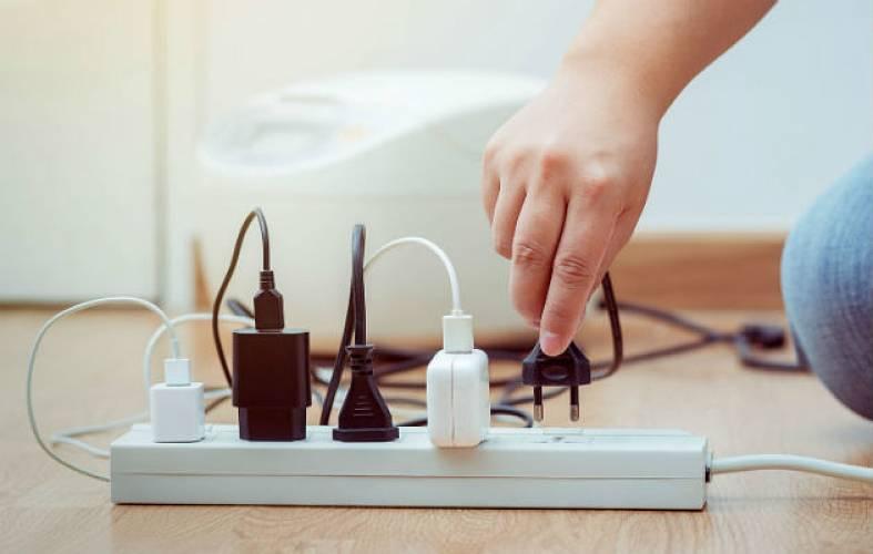 ¿Qué es el consumo fantasma de energía y cómo solucionarlo?