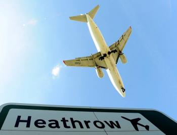 Aeropuerto de Heathrow realiza pruebas rápidas de COVID-19 en busca de reabrir rutas