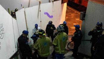 Video: Rescatan a trabajador prensado en escaleras eléctricas de estación Patriotismo