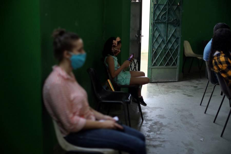 Brasil registra otras 566 muertes por COVID-19 y suma más 155 mil