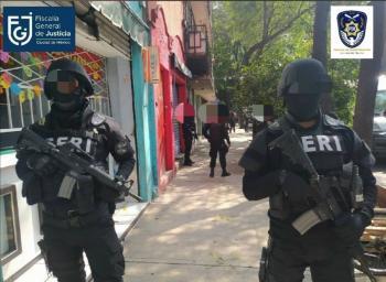 Autoridades trasladan a Fiscalía de la CDMX 20 máquinas de hemodiálisis robadas